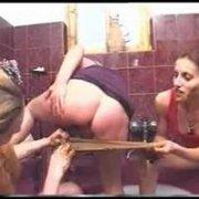 Развратная копро оргия русских лесбиянок в туалете