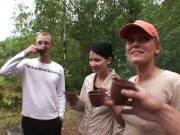 Горячая долбежка с русскими красотками на пикнике