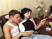 Домашний секс под водочку русских молодых свингеров